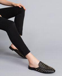 Pantolette aus Leder mit Nieten Schwarz Frau CA8TFG-0S