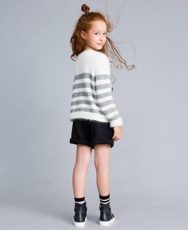 Shorts aus Sweatstoff mit Steppmotiv Schwarz Kind GA82NQ-03