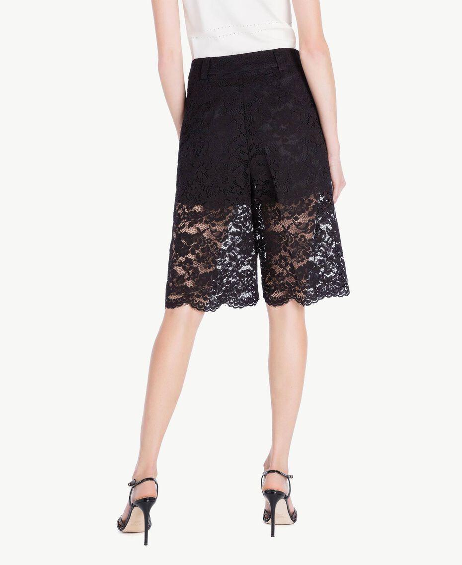 Shorts aus Spitze Schwarz Frau TS828T-03