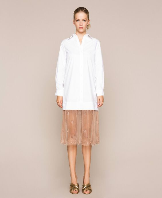 Платье-рубашка из поплина и кружева