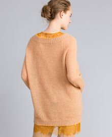 Maxi pull en mohair avec top en dentelle Bicolore Camel / Brandy Femme PA836B-03