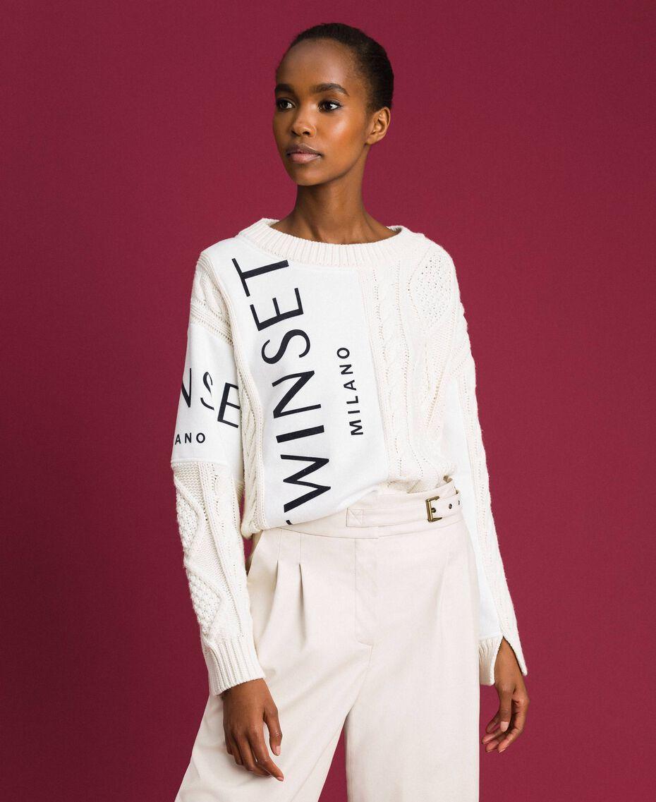 Pull torsadé avec insertions et logo Blanc Neige Femme 192TT3060-05