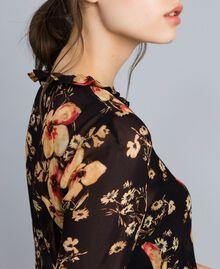"""Kleid aus Georgette mit Blumenprint Alloverprint """"Bouquet"""" Frau TA825F-04"""