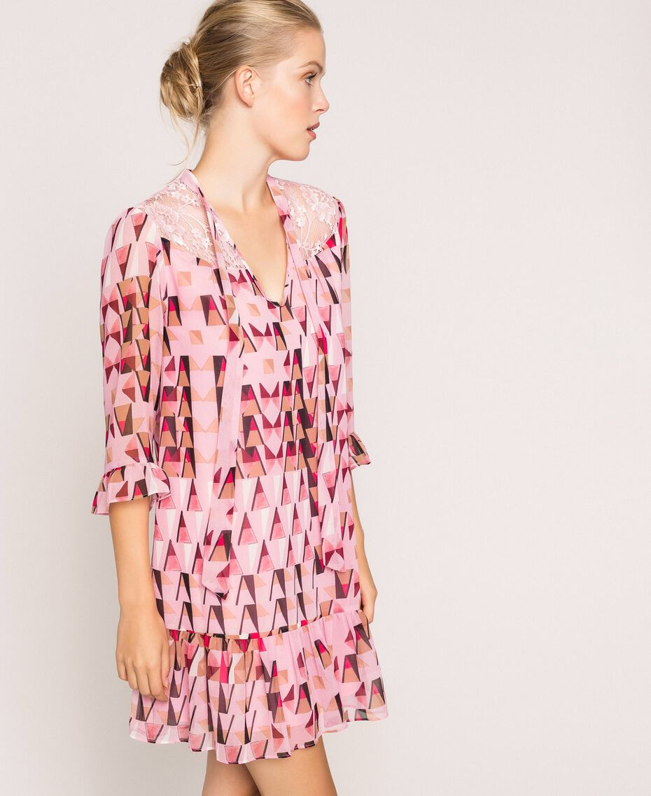 """Платье из набивного жоржета с кружевом Принт Геометрический Розовый """"Конфета"""" женщина 201ST2180-02"""