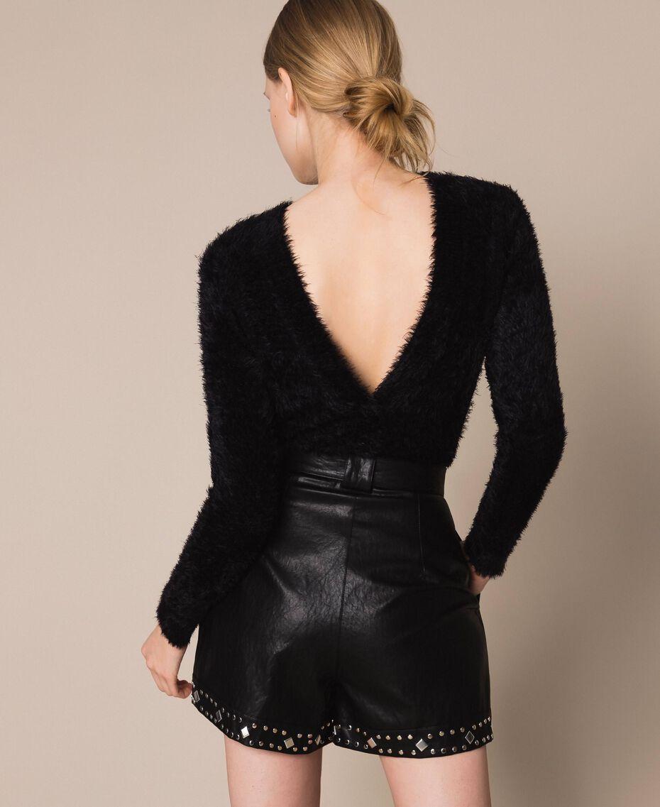 Short en similicuir avec clous Noir Femme 201TT2010-03