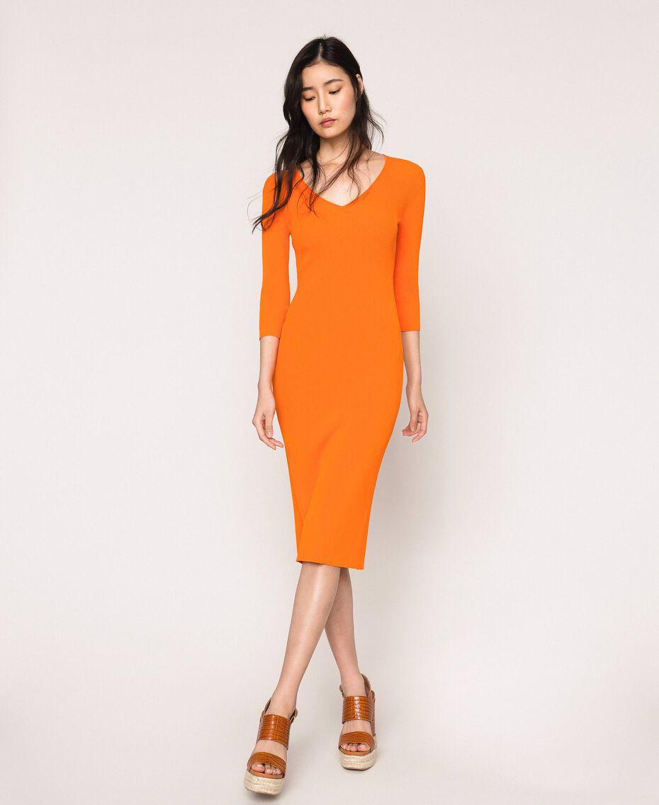 Robe longue côtelée ouverte dans le dos Orange «Calendula» Femme 201MT3032-02