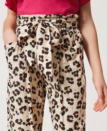 Pantalon avec imprimé animalier Imprimé Léopard & Cachemire Enfant 211GJ2249-04
