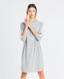 Nachthemd aus Sweatstoff Durchschnittgrau-Mélange Frau LA8MFF-0S