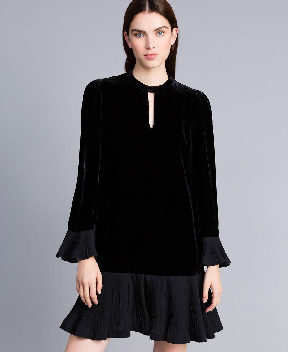 Robe en velours avec plissé Noir Femme TA828P-02