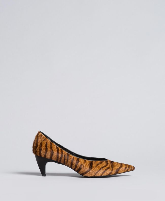 Animal print court shoes Tiger Print Woman CA8TEA-01