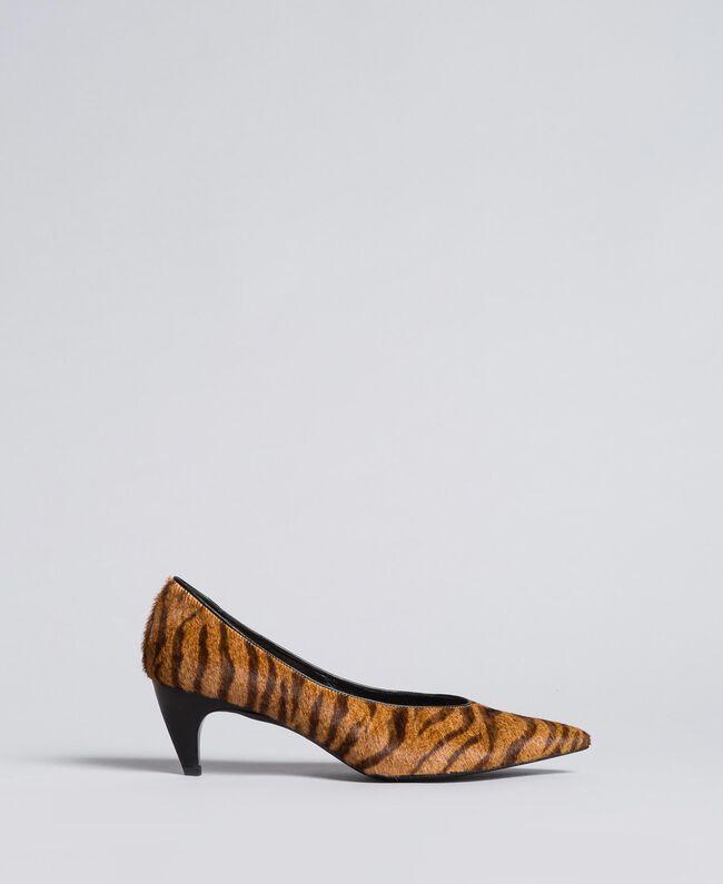 Animal print court shoes Tiger Print Woman CA8TEA-01