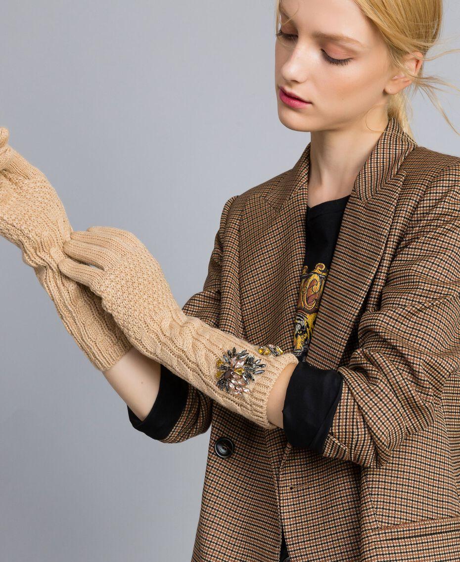 Lange Handschuhe mit Zopfmuster und Strass Hellbeige Frau OA8T6A-0S