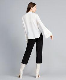 Blusa in misto seta con plissé Bianco Neve Donna TA823T-04