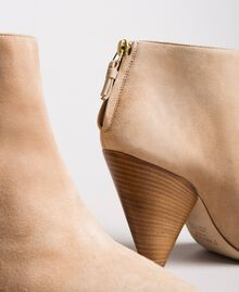 "Suede ankle boots ""Mid Tan"" Brown Woman 191TCP130-05"