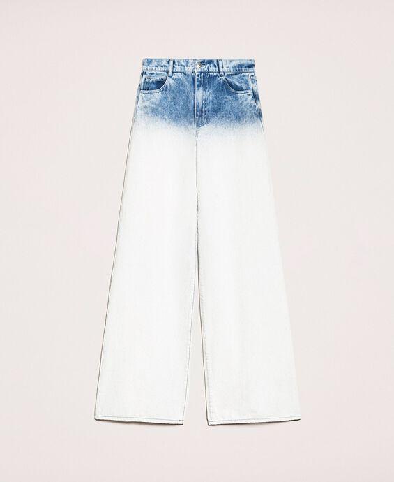 Свободные прямые джинсы с эффектом деграде