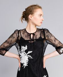 Kurzes Kleid aus Valenciennesspitze Schwarz Frau PA824P-04