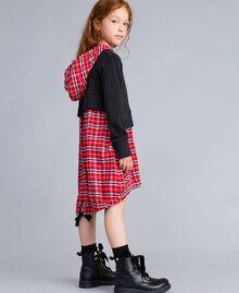 Kleid aus Sweatstoff und kariertem Stoff Zweifarbig Graumelange / mohnrote Karos Kind GA8243-03