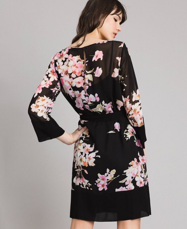 """Tunikakleid aus Georgette mit Blumenmuster Motiv """"Peach Flowers"""" Pink Schwarz Frau 191TP271B-04"""
