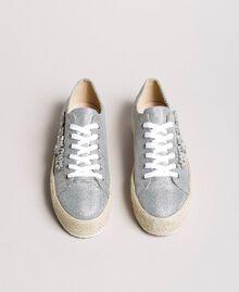 Mesh-Sneakers mit Steinen und Logo Silber / Nickel Frau 191MCP03G-05