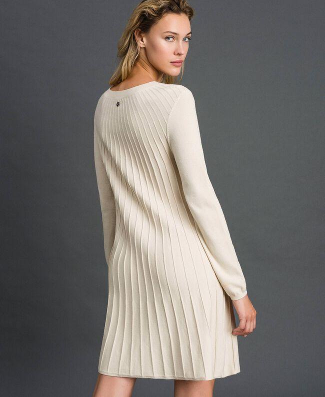 Robe en maille plissée Blanc Crème Femme 192ST3170-03