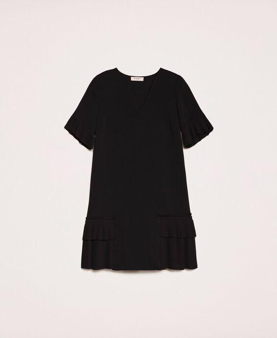 Платье из жоржета с плиссировкой