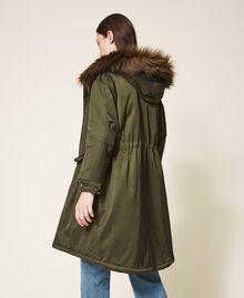 Parka con capucha y pelo sintético Dark Olive Green Mujer 202MP2020-03