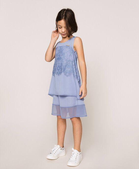 Kleid aus Crêpe de Chine und Spitze