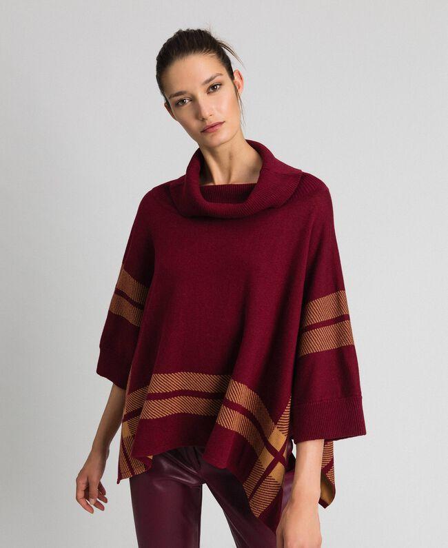 """Reversible knit poncho Purple Red / """"Camel Skin"""" Beige Woman 192LI3ZAA-01"""