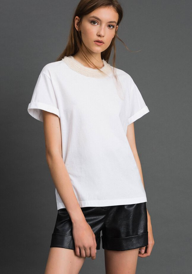 T-shirt with pearl jewel neckline