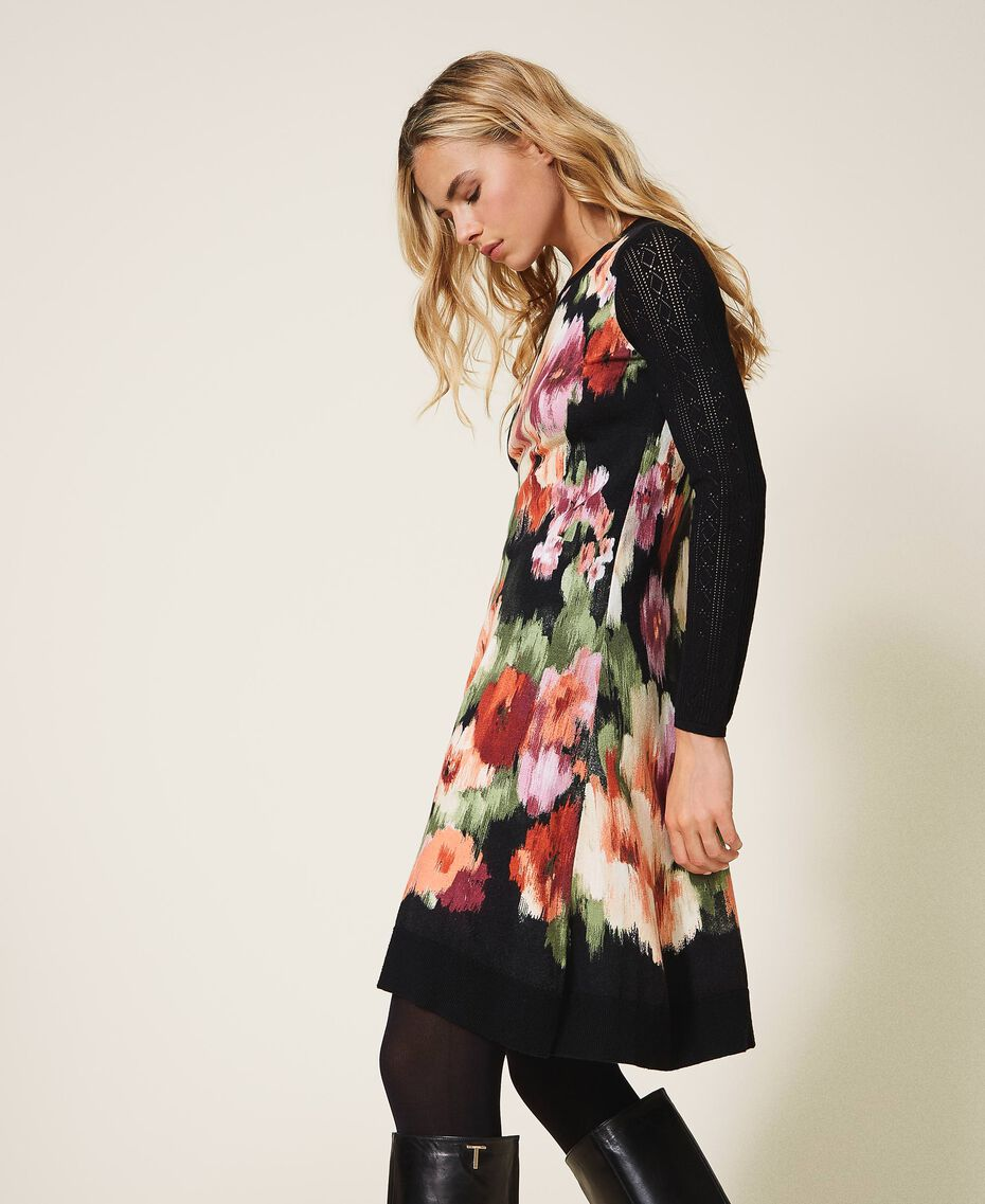 Трикотажное платье с цветочным принтом Цветок Шине Черный женщина 202TT3342-02