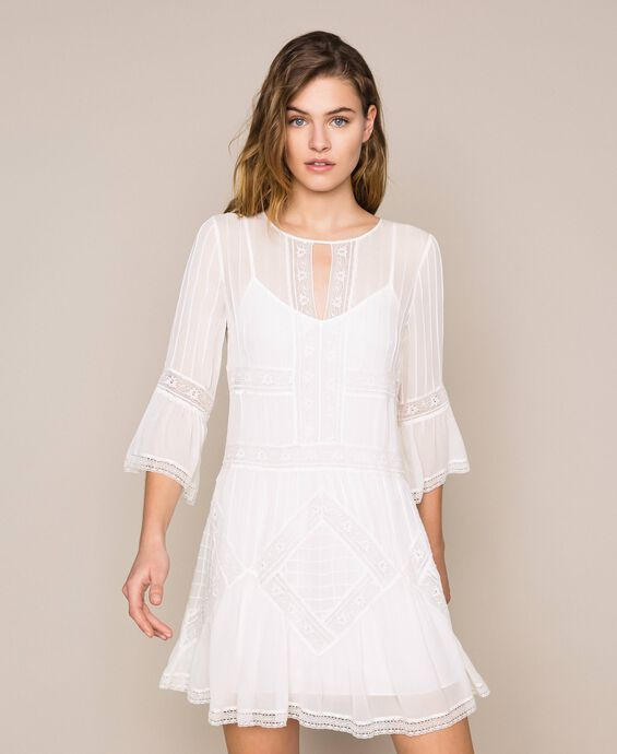 Georgette dress with embroideries and lace
