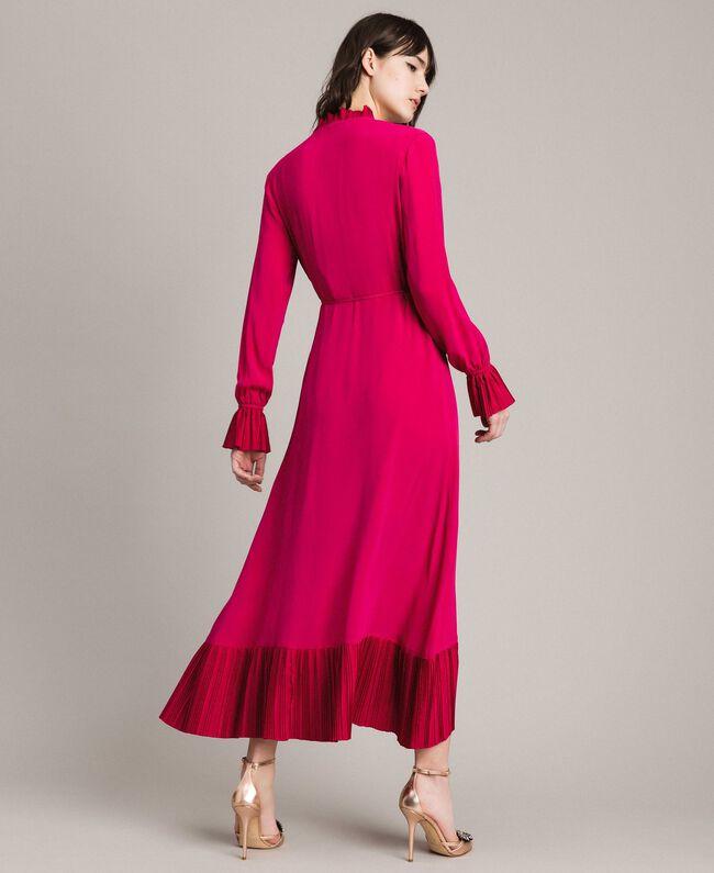 1ee89691281 Платье с запахом из смесового шелка Фуксия