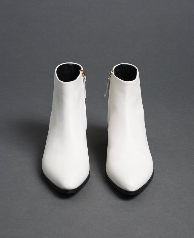 Leather ankle boots Off White Woman 192TCP12N-04