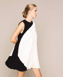 "Pleated crêpe de Chine dress Two-tone ""Silk"" White / Black Woman 201ST2011-0T"