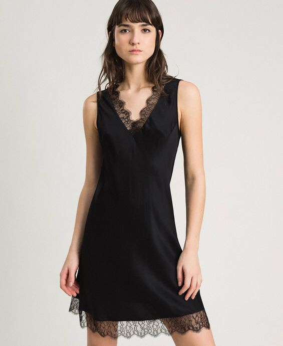 Slip dress in satin and lace
