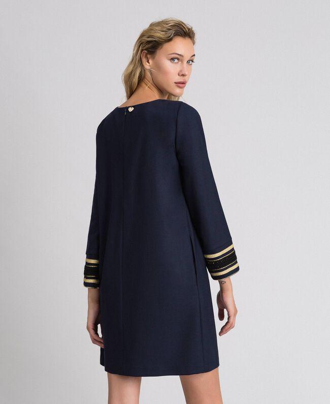Kleid aus technischem Wollgewebe Midnight-Blau Frau 192TT2459-03