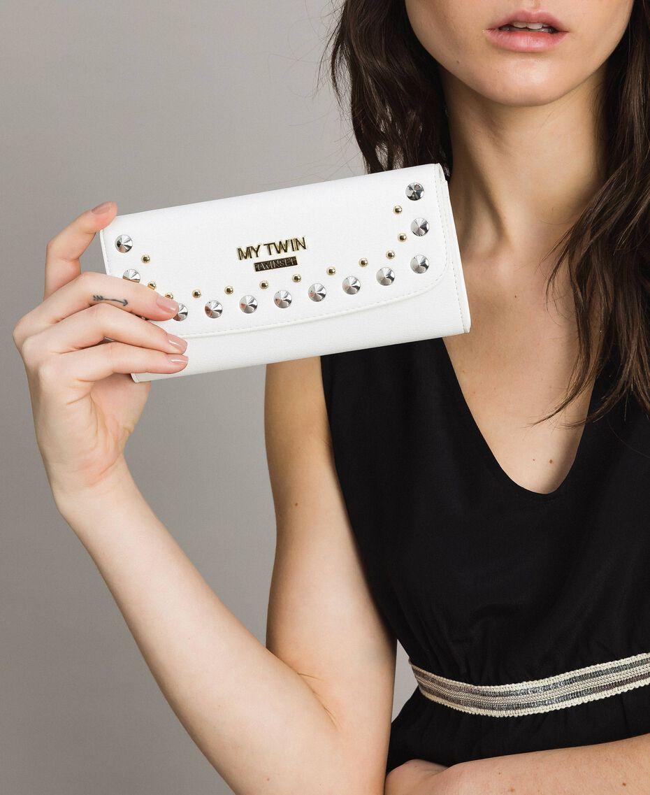 Portefeuille en similicuir avec clous Crème White Femme 191MA7144-0S