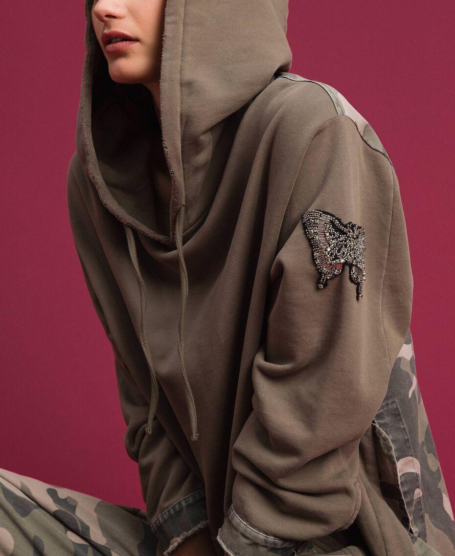 Maxi felpa con dettagli camouflage Military Gold / Stampa Camouflage Donna 192TP2040-01
