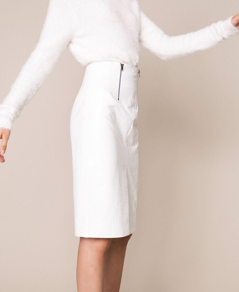 Юбка из искусственной кожи с крокодиловым принтом Белый Снег женщина 201TP2363-02