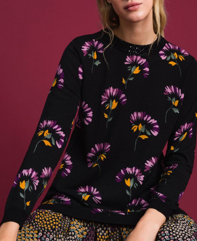 Wollkleid mit Print und Stickereien Blumenprintmix Schwarz Frau 192TT3340-04