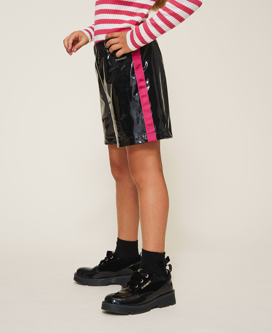 Shorts in Lackoptik Zweifarbig Schwarz / Pink Gloss Kind 202GJ213B-01