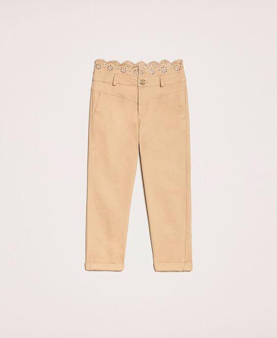 Pantalon avec broderie anglaise