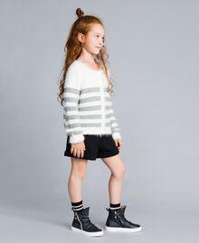 Shorts in felpa matelassé Nero Bambina GA82NQ-02