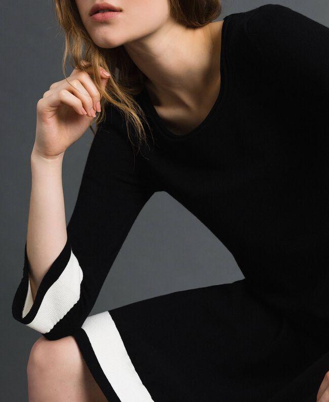 Robe avec bandes contrastées Noir / Blanc «Papyrus» Femme 192TP3102-04