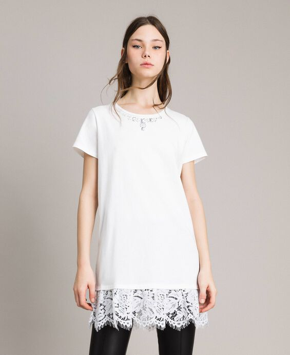 Maxi T-shirt with embroidery and lace