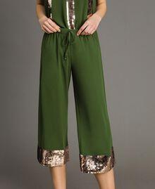 Pantalon cropped avec paillettes Vert Amazone Femme 191LM2CBB-04
