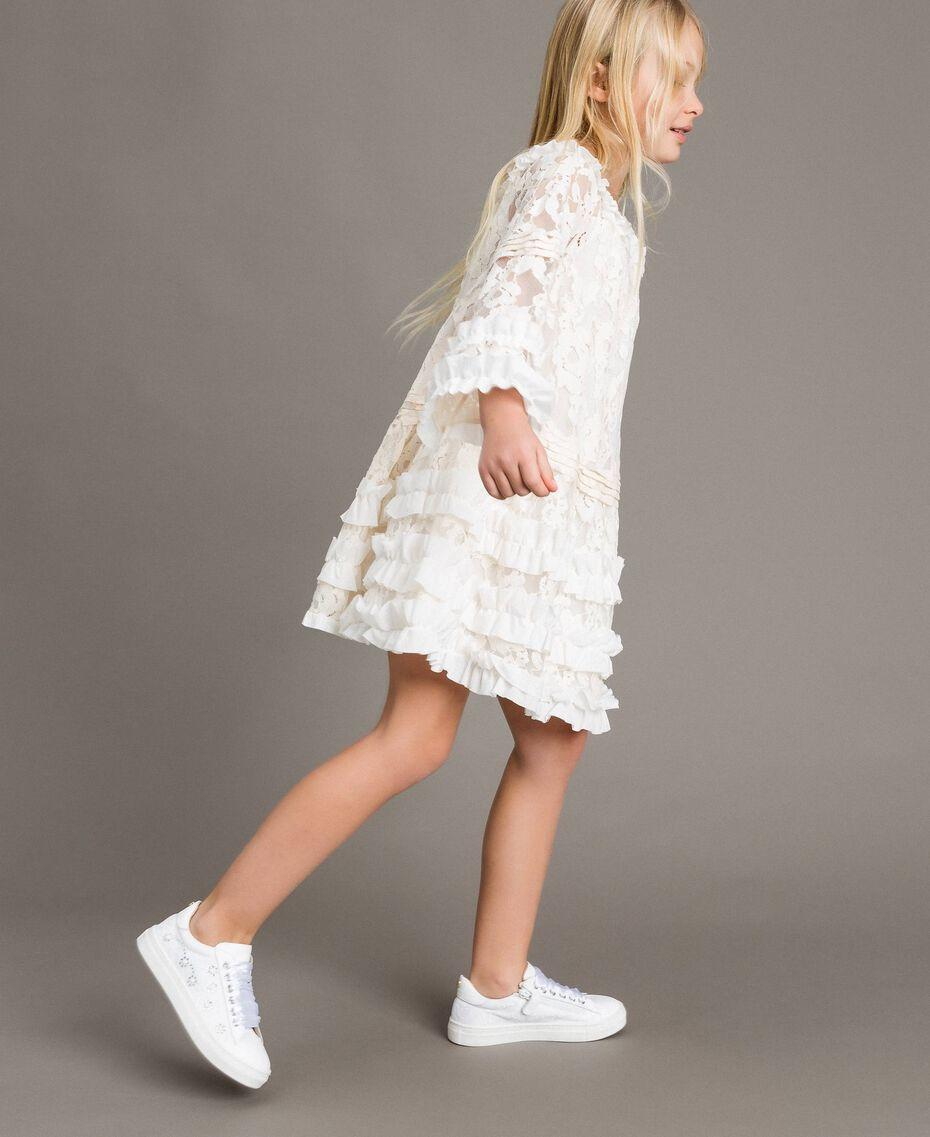 Robe en dentelle avec ruchés Bicolore Chantilly / Blanc Optique Enfant 191GJ2QH0-02
