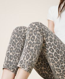 Pantalón con animal print Estampado Animal Print Nuez / Tabaco Mujer 202TT2443-04