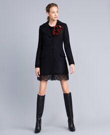 Manteau en drap avec dentelle dans le bas Noir Femme PA826S-02