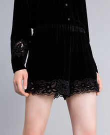 Shorts in velluto Nero Donna PA823C-01